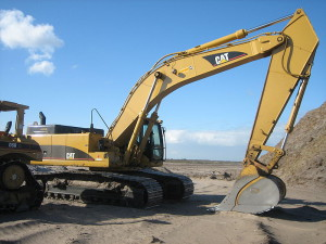 800px-Caterpillar_345C_L_Excavator