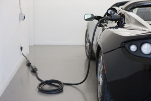 800px-Roadster_2.5_charging