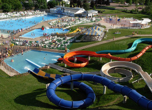 800px-Magic_mountain_water_park_moncton