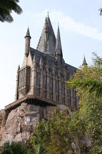 400px-Universal-Islands-of-Adventure-Harry-Potter-Castle-9188 (1)